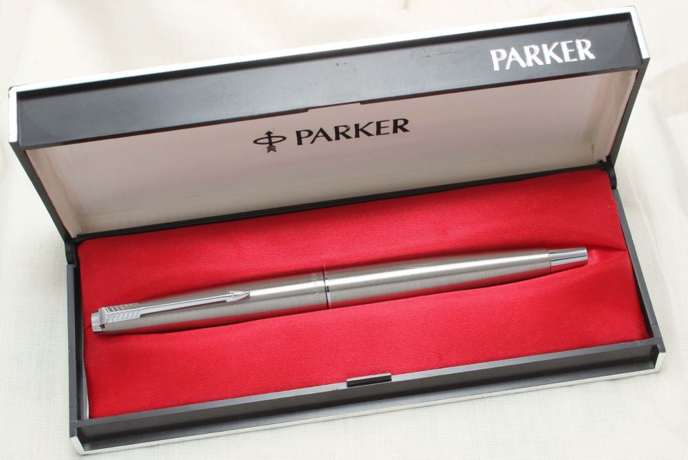 8782 Parker 45 CT Flighter in Brushed Stainless Steel. Smooth Medium Nib. M