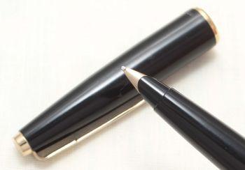 8804 Parker 45 GT in Black. Smooth Medium FIVE STAR Nib.