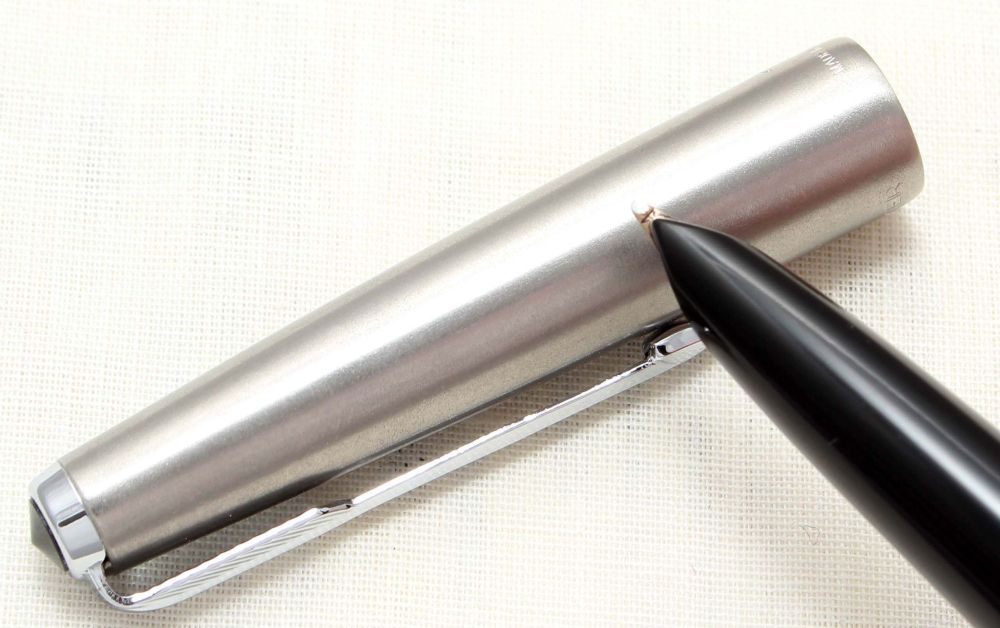 8812. Parker 51 Aerometric MkIII in Classic Black with a Lustraloy Cap, Smo