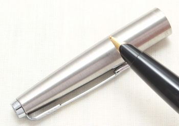8807 Parker 45 CT Flighter in Brushed Stainless Steel. Smooth Medium Nib.