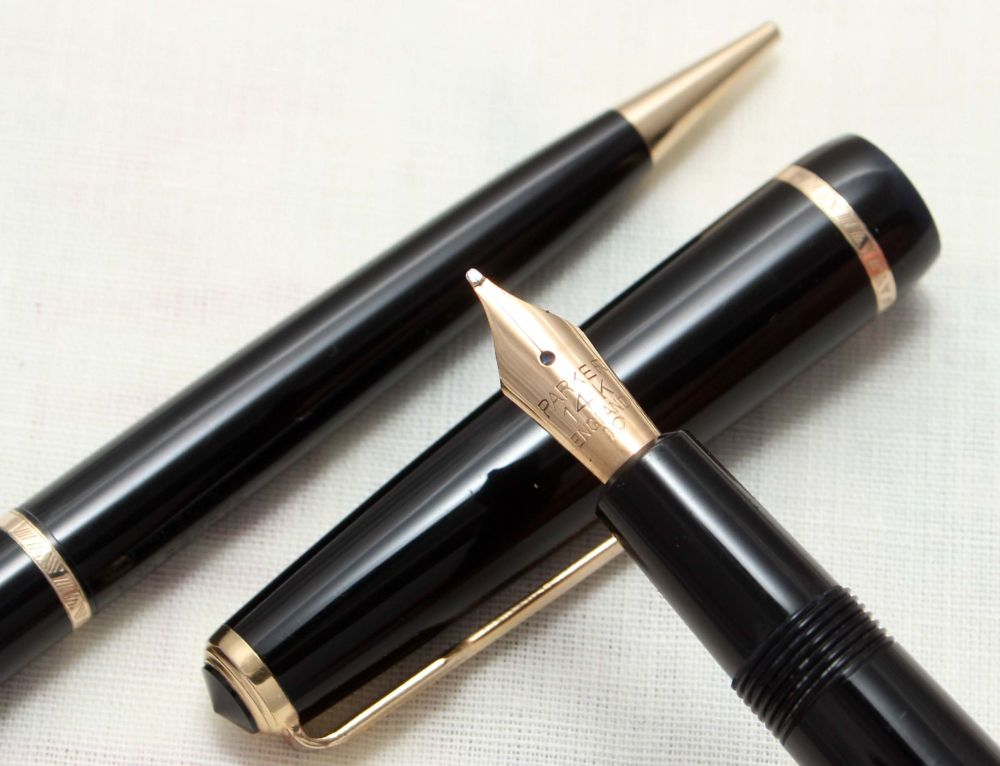 8836 Parker Duofold Junior Set in Classic Black, c1963. Smooth Broad FIVE S