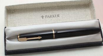8825 Parker Duofold Junior in Black, Smooth Fine side of Medium Nib.