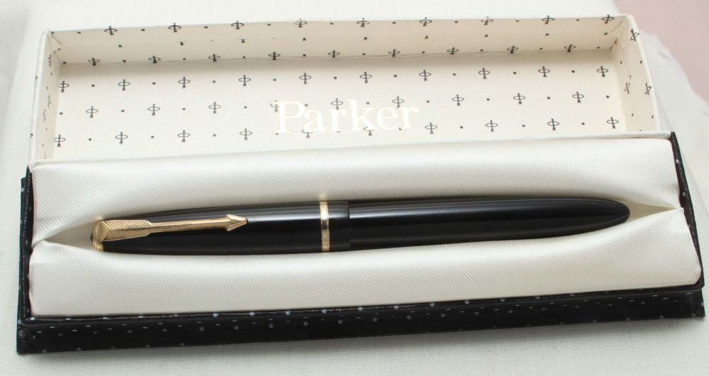8834 Parker Duofold Slimfold in Black, c1965. Smooth Fine Italic FIVE STAR