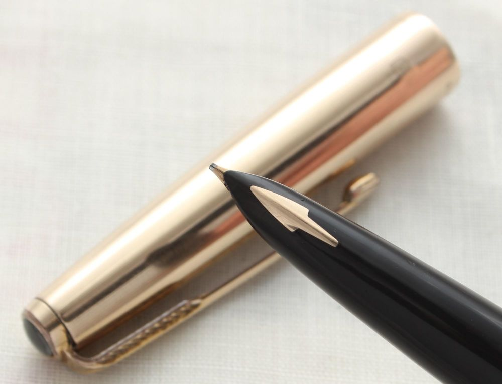 8849 Parker 61 Custom Fountain Pen in Black with a Rolled Gold cap. Broad O