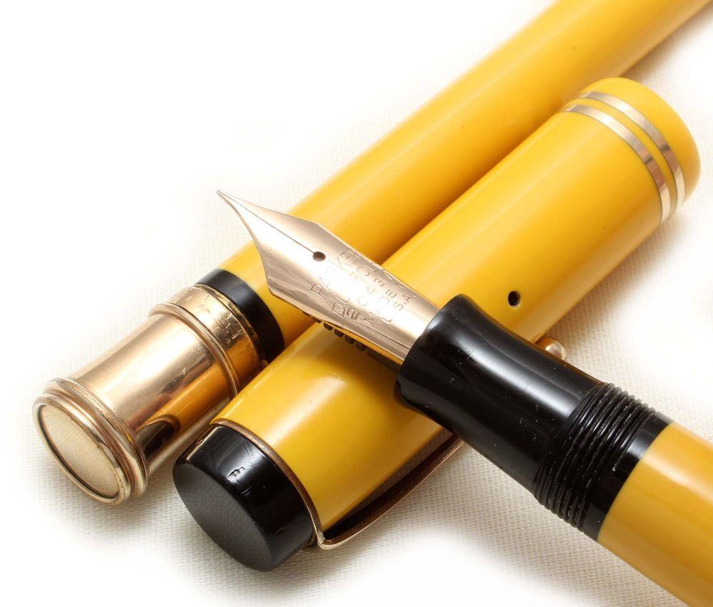 8869 Parker Duofold Senior Fountain Pen and Pencil set in Mandarin Yellow,