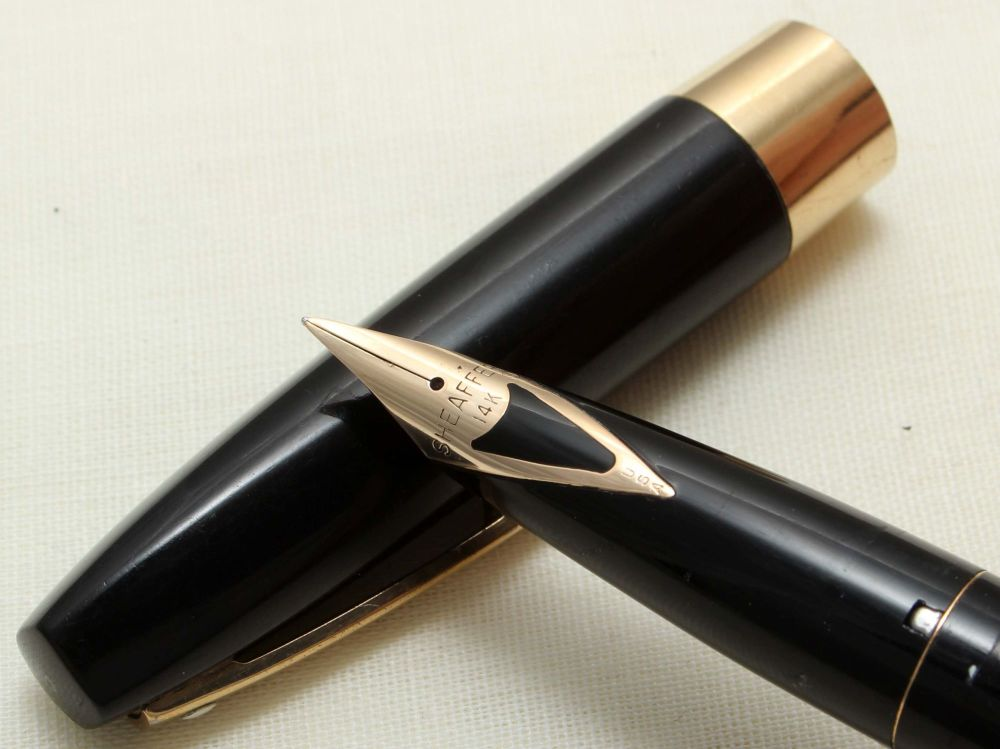 8883 Sheaffer Imperial Fountain Pen in Black, Smooth Fine Nib.