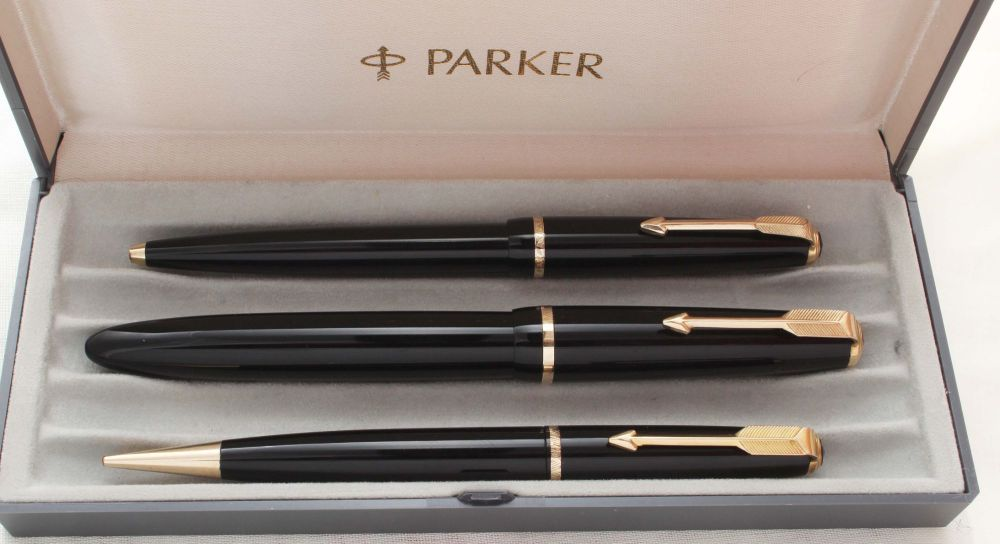 8897 Parker Duofold Senior Triple Set in classic Black. Mint and Boxed. Med