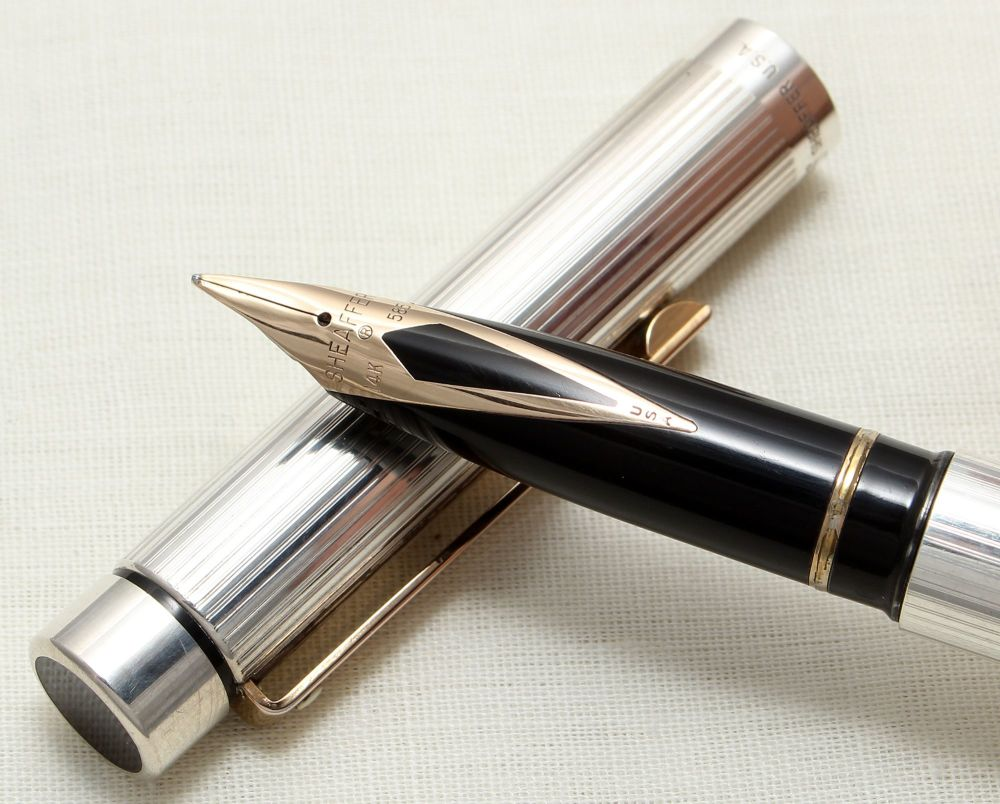 8949 Sheaffer Targa 1024x Sterling Silver Fountain Pen. Medium nib, mint an