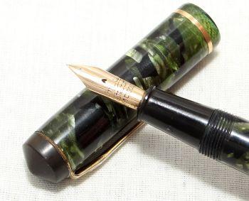 8951 Conway Stewart No.286 in Green Marble - Smooth Fine Semi Flex Nib.