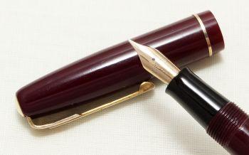 8937 Watermans W2 Fountain Pen in Dark Burgundy,  Fine Flex FIVE STAR Nib. Boxed.