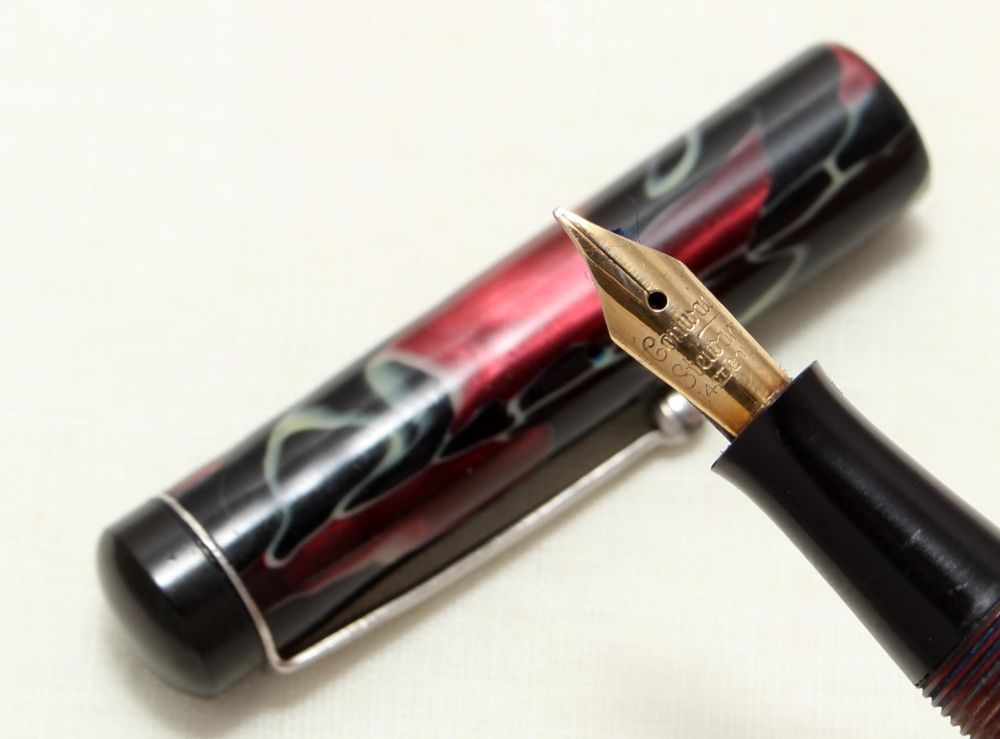 8975 Conway Stewart Scribe No.336 in Black, Burgundy and Cream Marble,  Fin