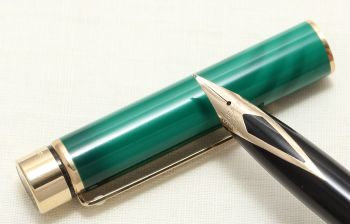 8978 Sheaffer Targa 1183 Emerald Green Swirl Fountain Pen. Medium FIVE STAR nib. Mint and Boxed.