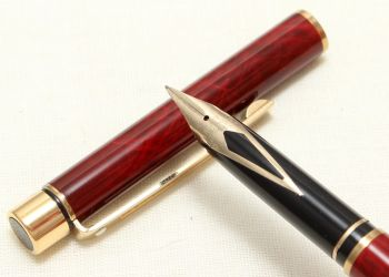 9001 Sheaffer Targa 1034s Slim fountain Pen in Red Ronce. Fine Five Star nib.