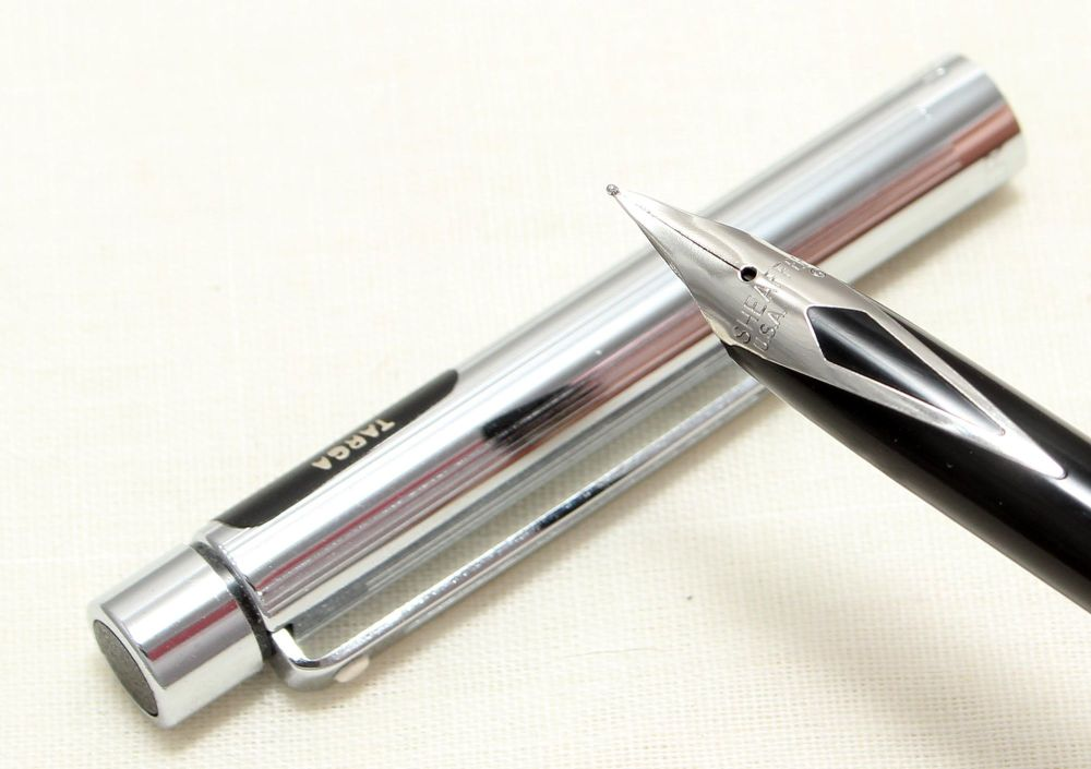 9002 Sheaffer Targa 1000s Slim fountain Pen in Polished Chrome. Fine FIVE S