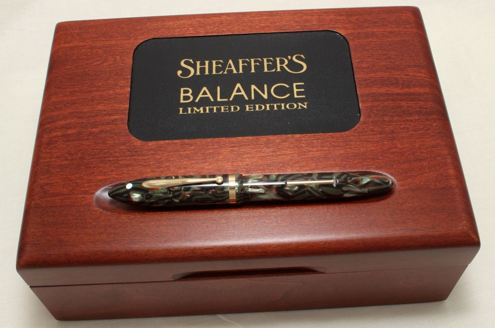 9020 Sheaffer Balance Limited Edition Fountain Pen, Smooth Medium 18ct Gold