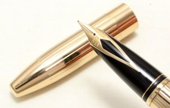 9022 Sheaffer Legacy Gold Filled Fountain Pen, Smooth Medium FIVE STAR Nib. Mint and Boxed.