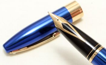 9023 Sheaffer Legacy Fountain Pen in Cobalt Blue, Smooth Medium FIVE STAR Nib. Mint and Boxed.