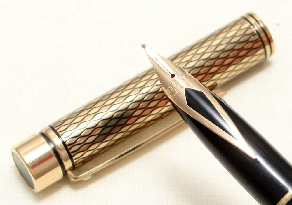 9027 Sheaffer Targa Classic Fountain Pen in the Medici Diamond pattern. Med