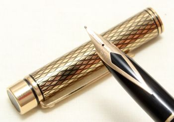 9027 Sheaffer Targa Classic Fountain Pen in the Medici Diamond pattern. Medium nib.