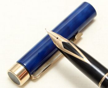 9035 Sheaffer Targa Classic Fountain Pen in Laque Blue Marble. Fine nib. Mint and Boxed.