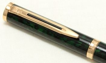 9055 Watermans Preface Rollerball in Green Lacquer Marble with Gold Filled trim.