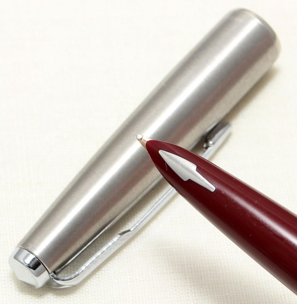 9072 Parker 61 in Burgundy with a Lustraloy Cap. Medium FIVE STAR Nib.