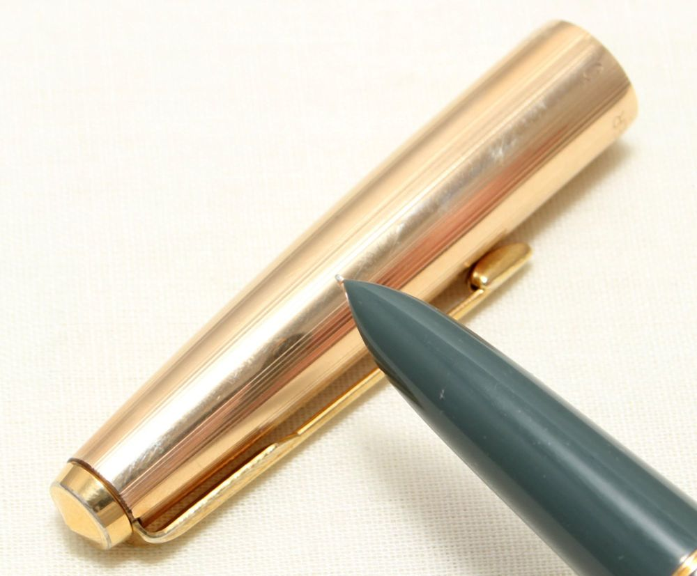 9074 Parker 51 Aerometric MkIII in Grey with a Rolled Gold Cap. Smooth Fine