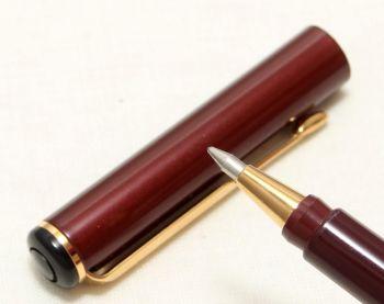 9088 Parker Rialto (88) Ball Pen in Burgundy. New Old Stock.