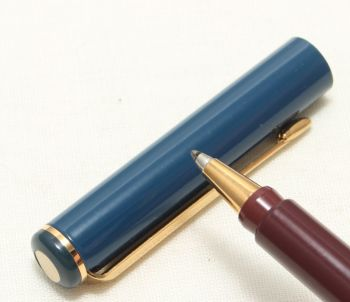 9090 Parker Rialto (88) Ball Pen in Blue. New Old Stock.