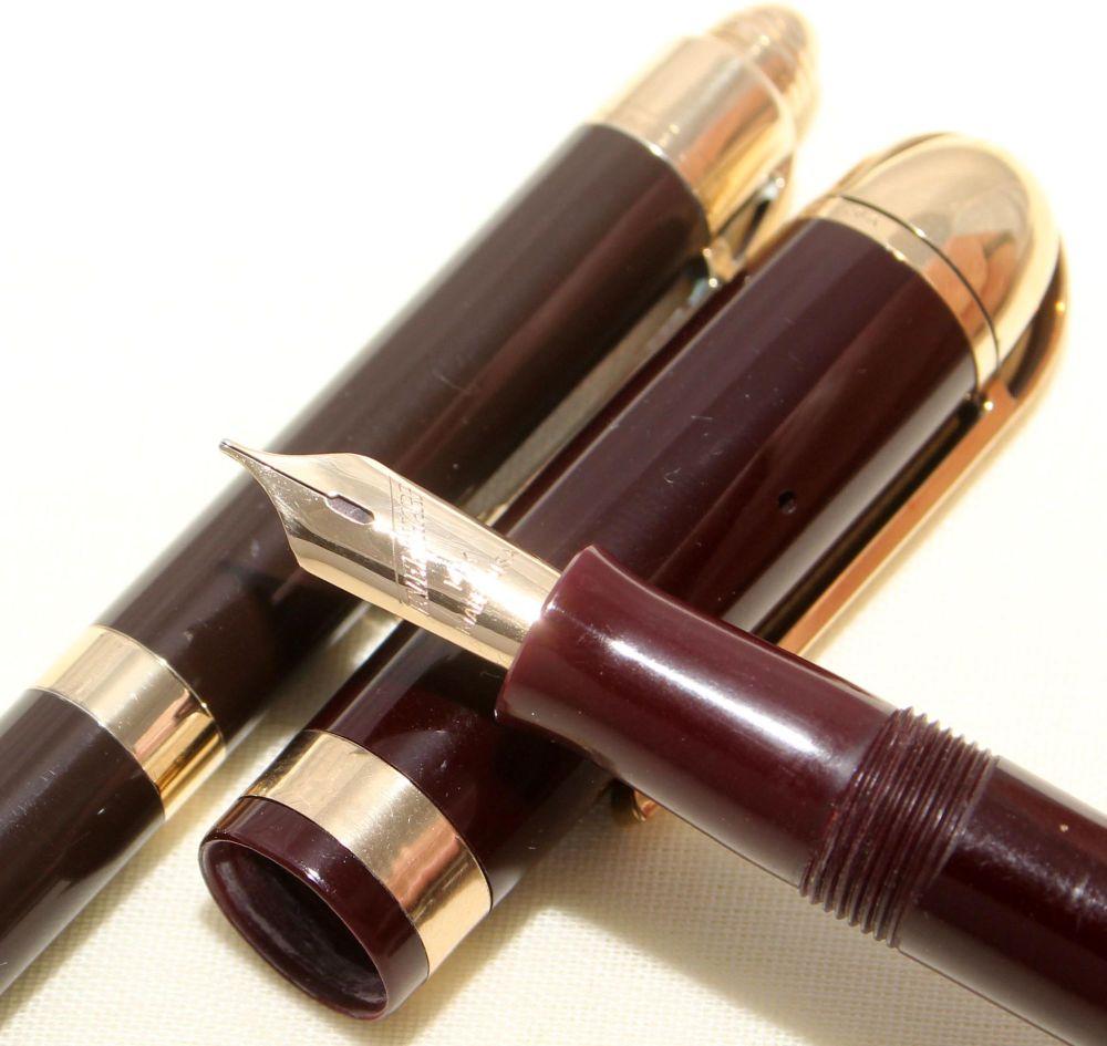 9115 Eversharp Skyline Fountain Pen and Pencil set.
