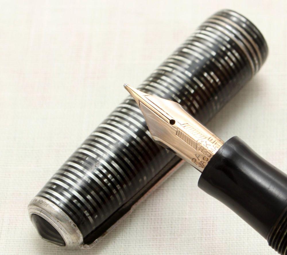 9118 Parker Vacumatic Oversize Fountain Pen in Silver Pearl, Medium FIVE ST