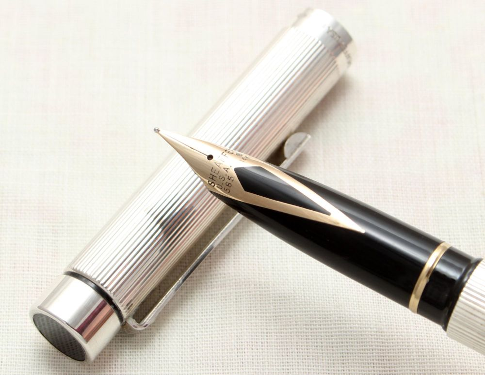 9137 Sheaffer Targa 1024s Sterling Silver Fountain Pen. Extra Fine nib, min