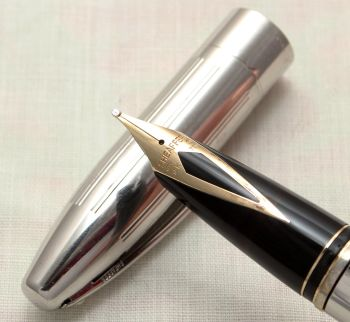 9141 Sheaffer Legacy Palladium Plated Fountain Pen, Smooth Broad FIVE STAR Nib. Mint and Boxed.