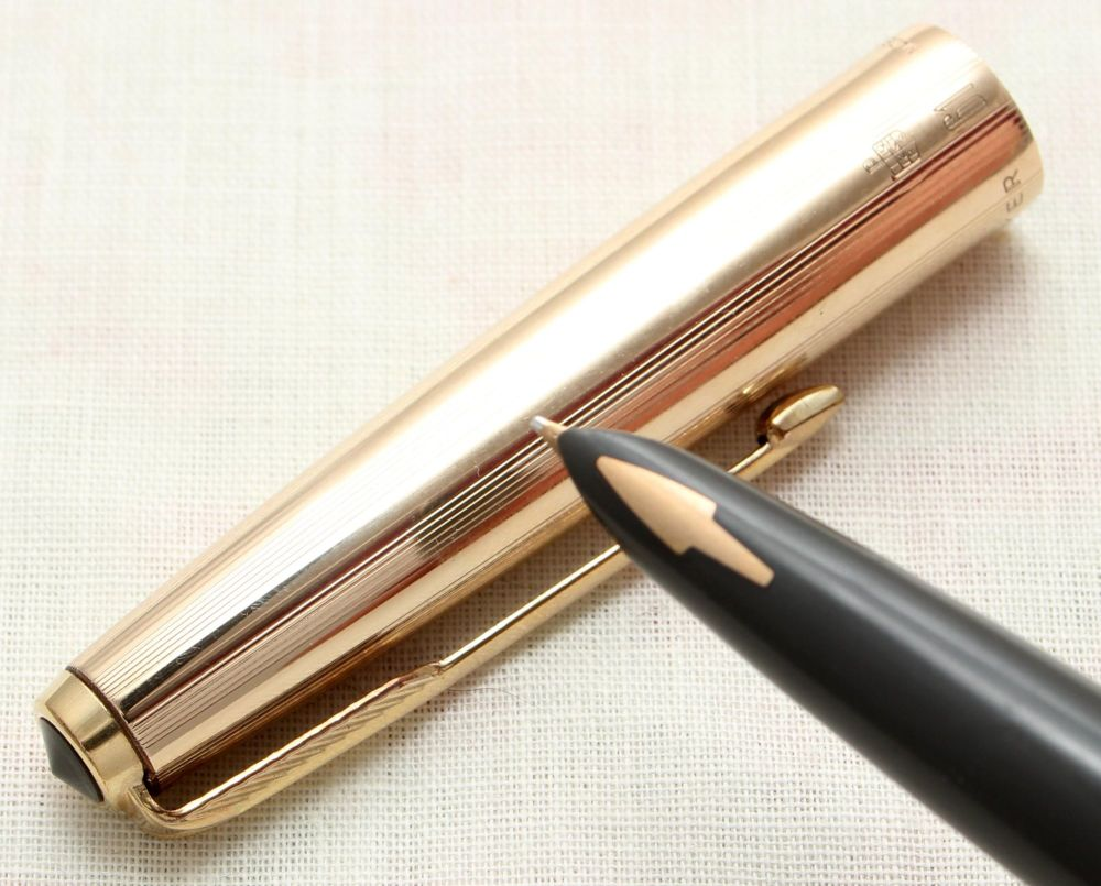 9145 Parker 61 Custom Insignia Fountain Pen in Rolled Gold. Fine FIVE STAR