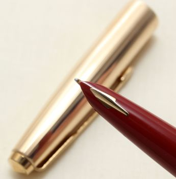 9149 Parker 61 Custom Insignia Fountain Pen in Rolled Gold. Medium FIVE STAR Nib. Mint and Boxed.