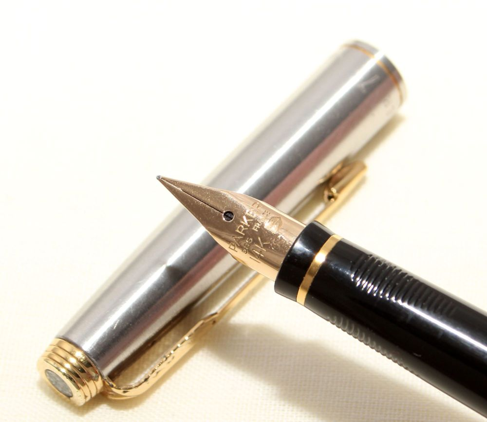 9157 Parker 75 Flighter in Brushed Stainless. Smooth Fine Nib.