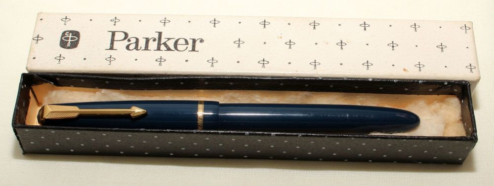 9161 Parker Duofold Slimfold in Blue, c1965. Smooth Medium Nib. Mint and Bo