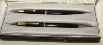 9166 Parker Duofold Slimfold Set in Classic Black, Smooth Medium FIVE STAR Nib. Mint and Boxed.