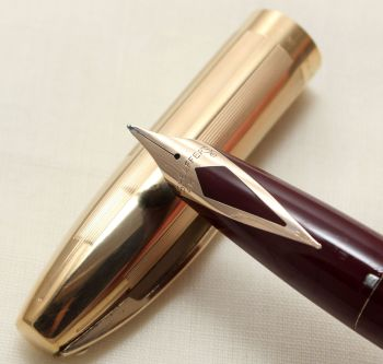 9169. Sheaffer PFM V Fountain Pen in Burgundy with a Rolled Gold Cap. Superb Medium FIVE STAR Nib. Mint and Boxed.