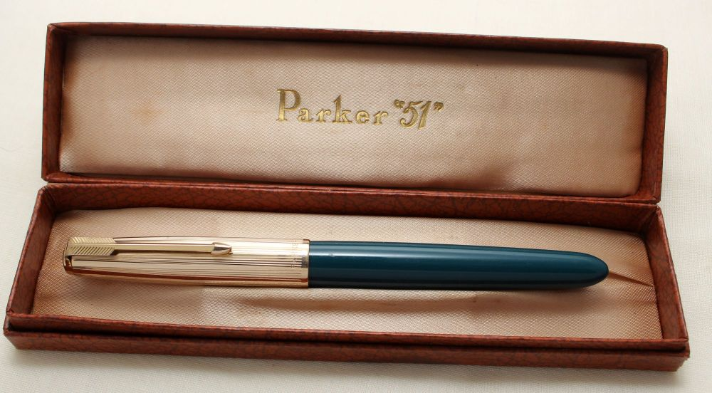 9173. Parker 51 Aerometric in Teal Blue with a Rolled Gold Cap, Smooth Medi