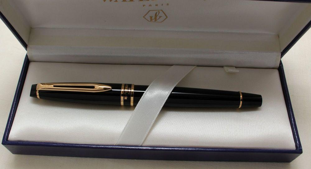9174 Watermans Hemisphere Fountain Pen in Classic Black, Smooth Medium Nib.