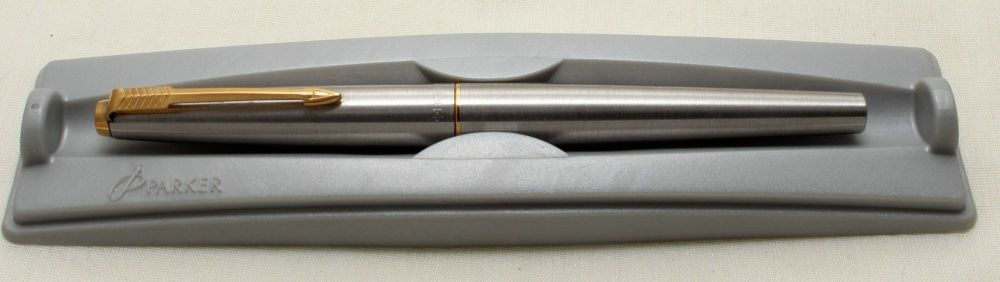 9192 Parker 45 GT Flighter in Brushed Stainless Steel. Smooth Fine FIVE STA