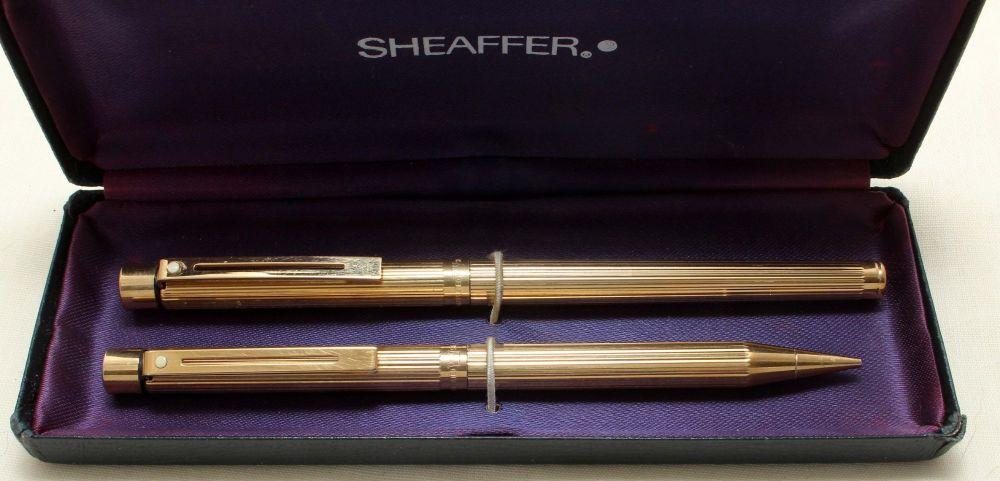 9199 Sheaffer Targa Fluted Gold Plate 1005s Slimline Fountain Pen and Ballp