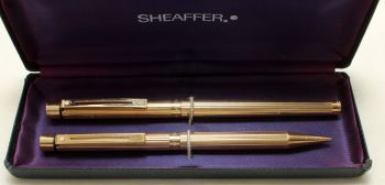 9199 Sheaffer Targa Fluted Gold Plate 1005s Slimline Fountain Pen and Ballpen set. Fine FIVE STAR nib. Boxed.
