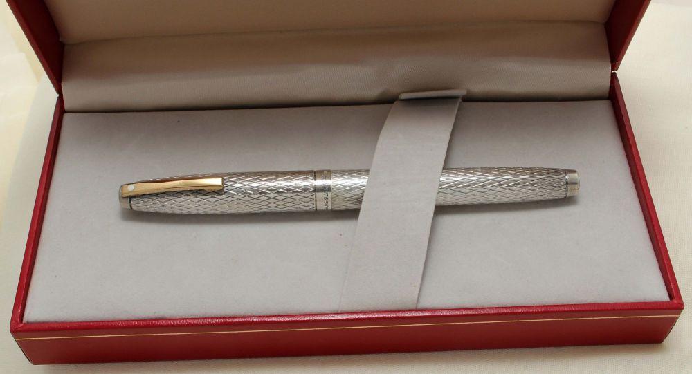 9201 Sheaffer Imperial Sovereign Fountain Pen, Smooth Fine FIVE STAR Nib.