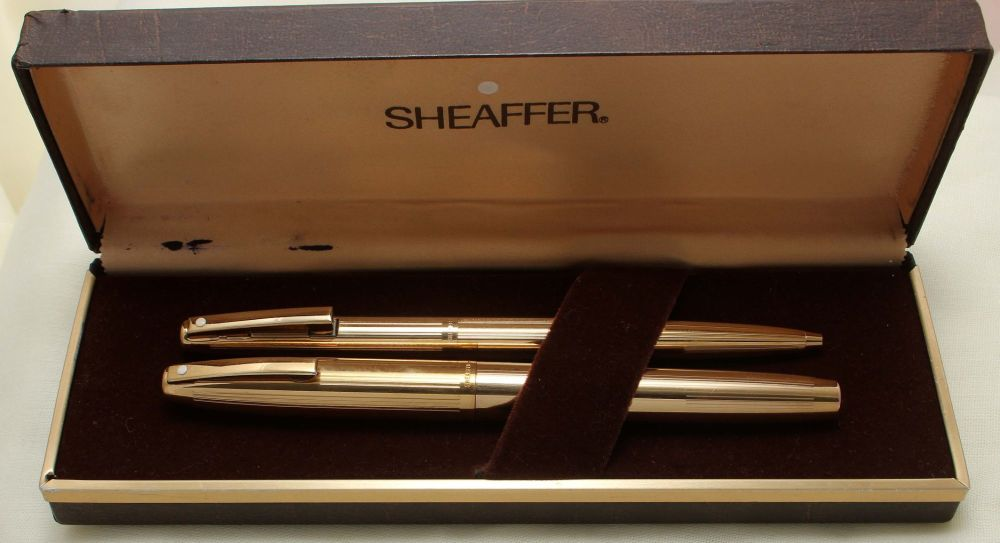 9202 Sheaffer Imperial 777 Rolled Gold Fountain Pen and Ball Pen set. Smoot