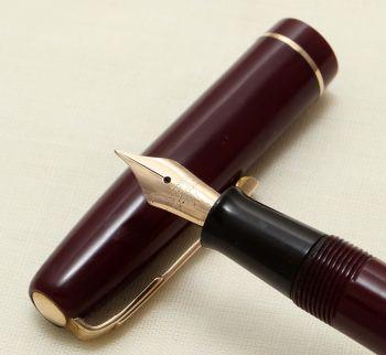 9222 Watermans W2 Fountain Pen in Plum,  Fine Flex Nib.