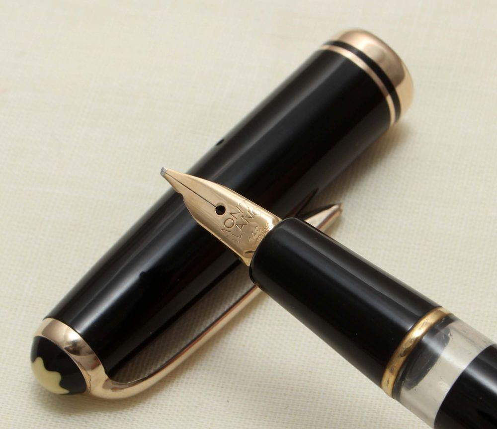 9242 Montblanc No.252 Piston filling Fountain Pen in Classic Black. Broad I