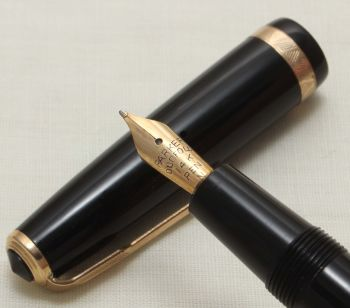 9285 Parker Duofold in Classic Black. Smooth Fine Side of Medium Nib.