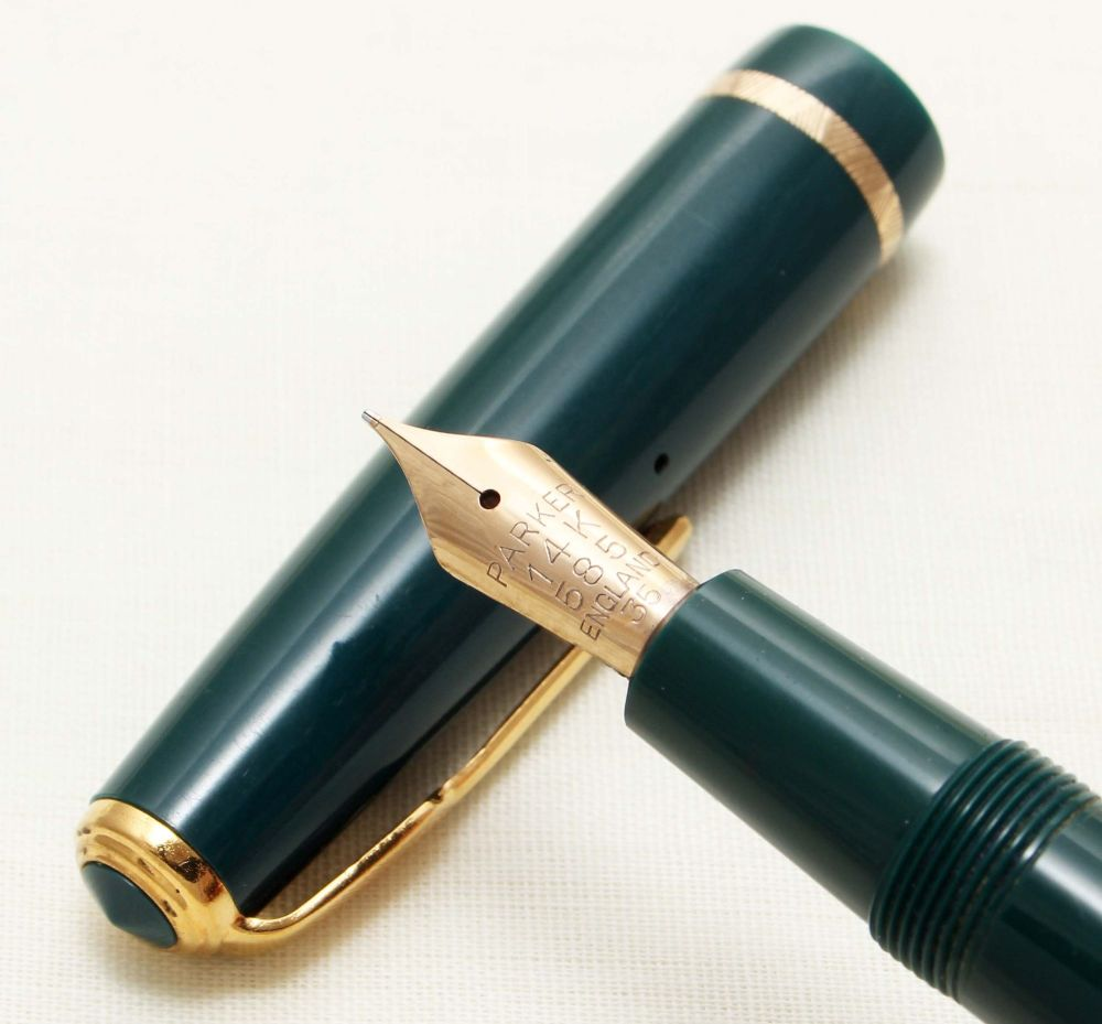 8660 Parker Duofold Senior in Green, c1965. Smooth Medium FIVE STAR Nib.